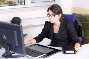 Para muchos son más ventajas que las desventajas al solicitar descuento de los pagarés que tengan.